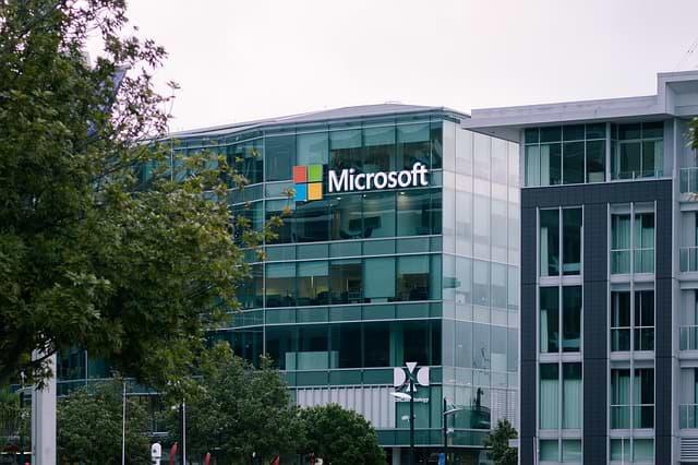 Microsoft advierte a los usuarios de Windows de dos agujeros de seguridad ya bajo ataque