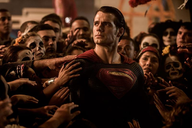 Henry Cavill to Return to DC Superman Movies Role man of steel DCU comics  Zack Snyder actor action super hero cape
