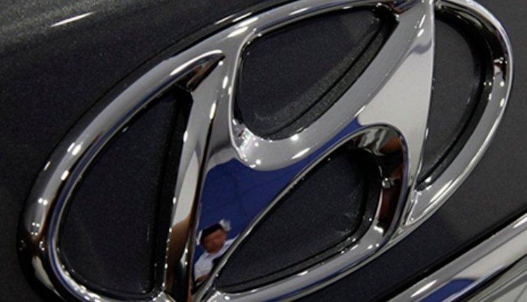 Hyundai vehicles sit in U.S. ports as virus keeps buyers away