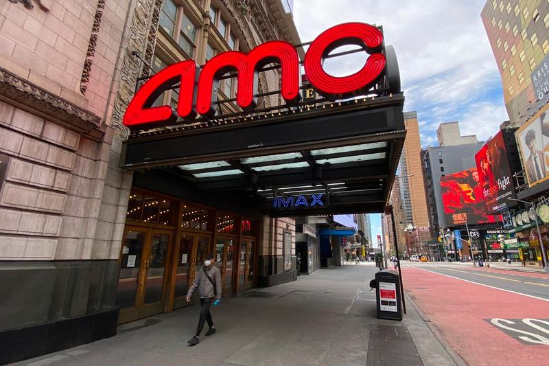 Universal AMC Sign Multi Year Video on Demand Agreement vod early releases films movies Adam Aron