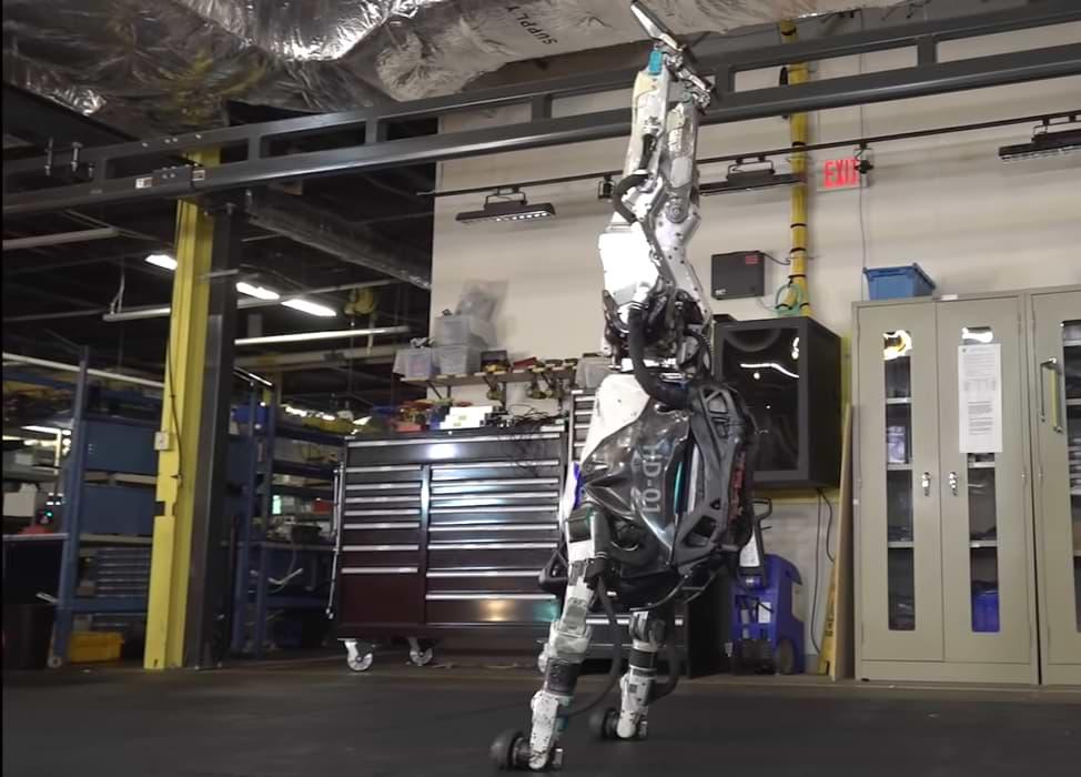 El robot Atlas de Boston Dynamics ha vuelto. Tenga mucho miedo