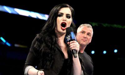 Paige responde a un fan que la criticó por recibir Botox