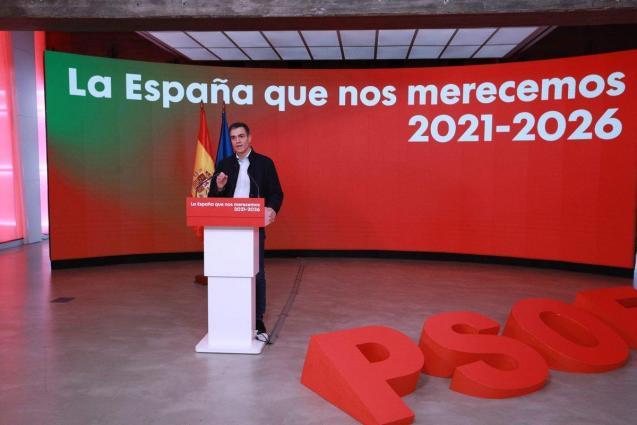 Pedro Sánchez, speaking at PSOE headquarters