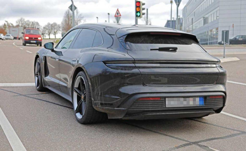 Porsche Taycan Cross Turismo 2021 visto sin disfraz