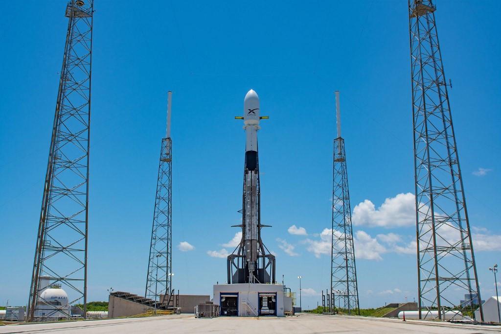 SpaceX seguirá adelante con las pruebas de Starlink y retrasa el servicio comercial