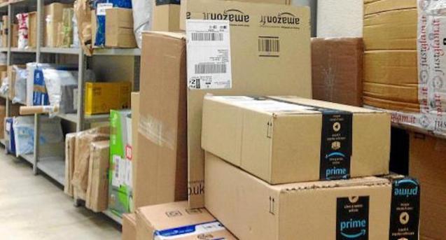 Amazon packages at Correos, Palma.