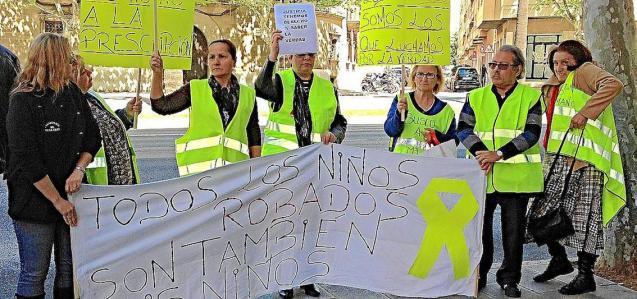 'Stolen' babies demonstration.