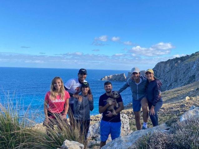 Rafa Nadal hiking with family & friends.
