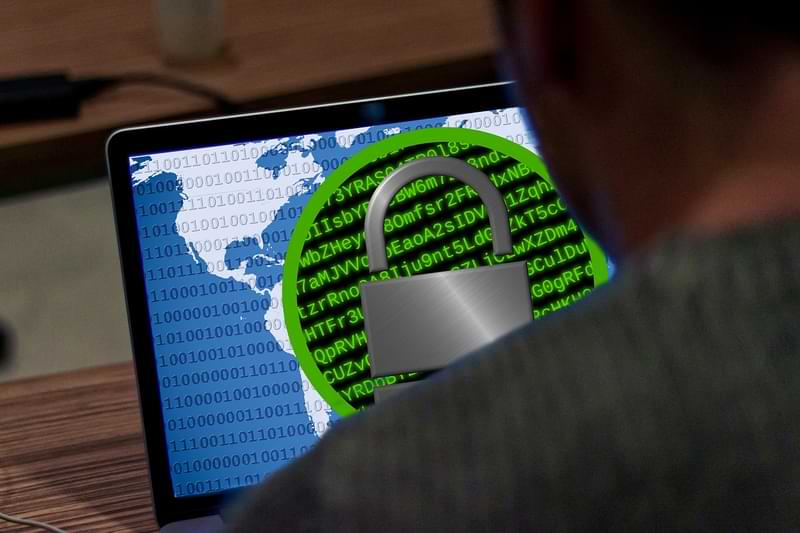 Cómo prevenir los ataques de software espía de Pegasus en teléfonos móviles personales